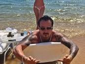 Voli novac, kola i gole žene: On je novi kralj Instagrama